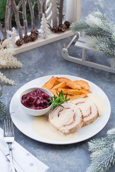 Świąteczna rolada ze schabu z sosem wiśniowo cynamonowym