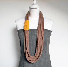 Loops neckwarmer knit necklace tube scarf. Hazelnut por ylleanna