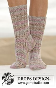 "Knitted DROPS socks with cables in ""Fabel"". Size 35-43. ~ DROPS Design"