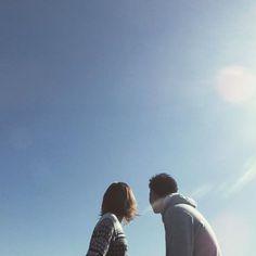 【95mika0104】さんのInstagramをピンしています。 《. . 二人でパラシュート みてる図。笑 . この日ほんと天気良くて ポカポカで幸せやったー🍃💙 . #遠距離#couple#japan #japagirl#love#happy  #blue#sun#beach#sea #カップル#photo#instagood  #instapic#tg860#olympus  #tg860のある生活#genic_mag #genic#camera#海#ビーチ #カメラ女子#dayoff#holiday #ぴーかん#写真 .》