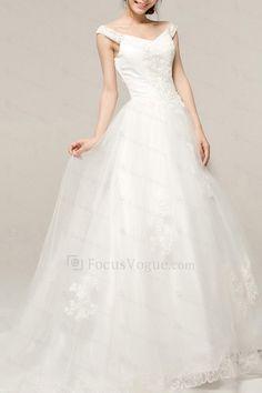 Satin v-hals kapell tog a-linje brudekjole med brodert - Focus Vogue