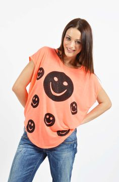 Smiley T-shirt Boutique Stores, Smiley, T Shirt, Tops, Women, Fashion, Supreme T Shirt, Moda, Tee Shirt