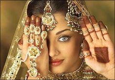 cool History of Indian Diamond Jewellery Beauty Art, Beauty Women, Freida Pinto, Beauty Background, Hindus, Latest Hairstyles, Beauty Queens, Indian Jewelry, Bridal Jewelry