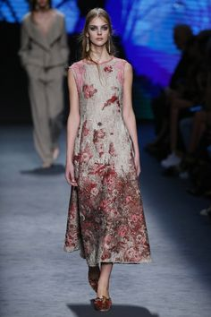 Alberta Ferretti   Ready-to-Wear - Autumn 2016   Look 35