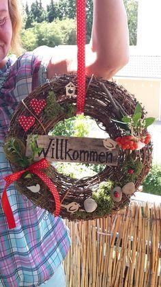 Türkranz für den Sommer!Ein freundliches Willkommen mit fröhlichen Farben und Naturmaterialien laden deine Gäste ein.