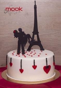 Lovers in Paris Cake - Friend of a friend. She makes beautiful cakes. See also Facebook page Cakes by Mook. https://www.facebook.com/pages/Cakes-by-Mook/217980981634307