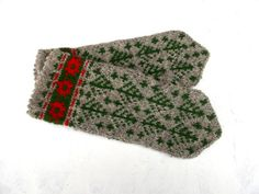 Hand knitted wool mittens knitted green by peonijahandmadeshop