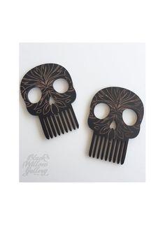Black Willow Gallery Skull Comb
