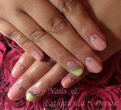Yuko Nails And Esthetic La Deesse ジェルネイルデザイン♪ (定額制:Silver) カラーベースとポイントで斜めフレンチに。色違いでアクセントのあるクールな仕上がりに♪ Gel Nails, Silver, Beauty, Design, Gel Nail, Beauty Illustration, Money