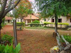 Saudosíssima ex fazenda em GURUPI - TO. Cozinha caipira, nossa casa (primeira parte era aquela casa amarelinha da outra foto), ao fundo casa do irmão.