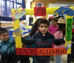 Alumnos y alumnas del 3B   celebran su día
