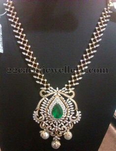 Jewellery Designs: 49 Grams Regal Diamond Set