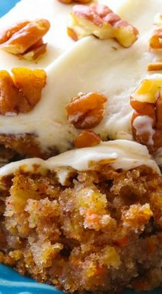 Moist Carrot Cake with Pineapple - Like this recipe. I added orange zest and orange extract to the icing. (desserts with oats carrot cakes) No Bake Desserts, Just Desserts, Delicious Desserts, Yummy Treats, Sweet Treats, Dessert Recipes, Desserts With Splenda, Oreo Desserts, Moist Carrot Cakes