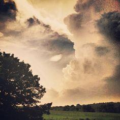 "@dutty_rock_dub's photo: ""Storm clouds #natureonly #naturelovers #fadingnature #thunderstorm #cloudporn #skyporn #landscape #mountains #snapseed #afterlight #plpix #glitchmobinspired #inspire #instaart #ig_artistry #plur #edmvibes #hiphop #basshead #darkskies #dank #fartoodope #highsociety #lifted #faded #inspiredbythebeatz #peace #love #beatz"""