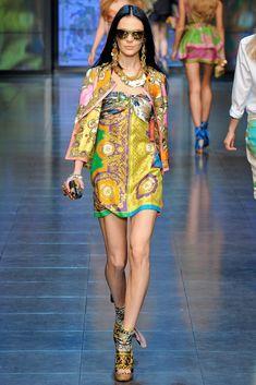 D&G Spring 2012 Ready-to-Wear Fashion Show - Kinga Rajzak