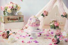 A Maternity & Newborn Photographer in Kent Cake Smash Photography, Family Photography, 1st Birthday Cake Smash, Cake Smash Photos, Themed Cakes, Newborn Photographer, Beautiful Cakes, Photo Sessions, Backdrops