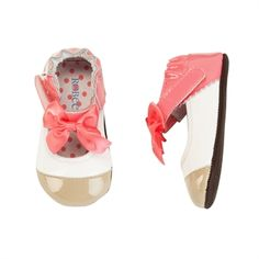 Robeez® Girls Crib Mini Shoez so cute on with all the cute fall colors being in corals and pinks!