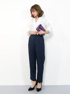 好印象を与える!パート・アルバイト面接で主婦が着て行く服装29選 | サンキュ! Office Fashion, Fashion Outfits, Womens Fashion, Work Wear, Harem Pants, Eriko, Poses, Chic, How To Wear