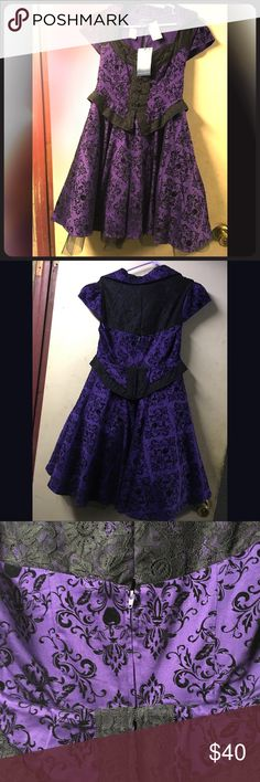 Once Upon A Time Regina Purple Dress Never worn, only tried on for sizing and it runs big! Junior's size small but could fit medium. Hot Topic collection. Hot Topic Dresses