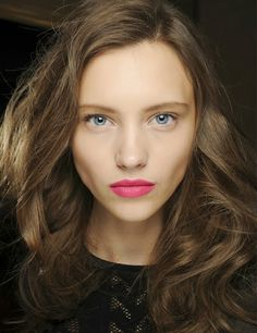 Nude eyes and lip color- every brunette should wear.