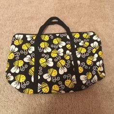 Small bumblebee bag Adorable bumblebee bag! Small sized, perfect for taking to the gym, putting makeup in, etc. NEVER BEEN USED! Bags
