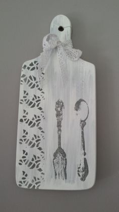 ozdobna, ręcznie zdobiona, biała deska