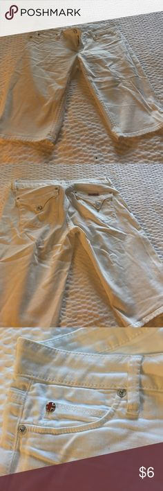 Shorts Size 28 shorts a little stretchy color cream good condition Shorts
