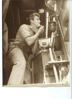 James shaving on the set of East of Eden.. he looks good no matter what he does.