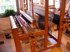 weaving damask - loom by learningtofly_katafalk, via Flickr