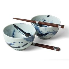 Perfect for serving pasta, oatmeal and miso soup, the Sumi Bowl features a beautiful blue glaze. Leave this serving ware out as a centerpiece, or put it to use as an attractive candy dish! The included chopstick set also makes this item a ramen noodle consumption staple.