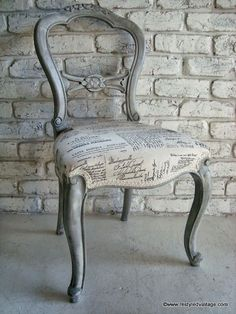Restyled Vintage: French Script Chair - Beautiful effect layering techniques in French Linen and Old White Chalk Paint® Decorative Paint by Annie Sloan. I need a chair like this! Chalk Paint Furniture, Furniture Projects, Diy Furniture, Furniture Design, Chair Design, Plywood Furniture, Design Design, Modern Furniture, Design Ideas