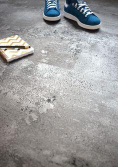 le charme d 39 un int rieur design et pur avec ces dalles de sol pvc imitation pierre naturelle. Black Bedroom Furniture Sets. Home Design Ideas