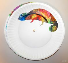 Tippytoe Crafts: Eric Carle - spin the paper plate in back and watch the chameleon change colors. Eric Carle is my FAVORITE children's book illustrator Eric Carle, Kids Crafts, Book Crafts, Arts And Crafts, Family Crafts, Rain Crafts, Chameleon Craft, Mixed Up Chameleon, Chameleon Color