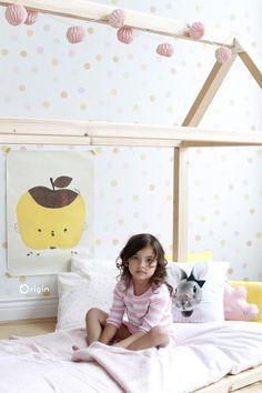 wallpaper polka dots pastel yellow, pastel peach orange, pastel powder pink and matt white Girls Bedroom Wallpaper, Home Wallpaper, Girl Wallpaper, Todler Room, Diy Tapete, Orange Rosen, Peach Orange, Pastel Yellow, Shabby Chic Bedrooms