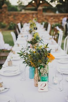 Relaxed outdoor table setting