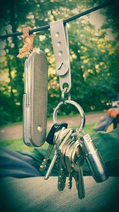 Victorinox••Tinker w/Cuscadi Micarta Plus Scales + TH-1••Ti EDC Key Clip + Veleno Designs••D2 Light + Keys