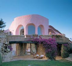 """Architectural Digest """"Sardinian Spirit"""" Costa Smeralda architecture by Savin Couelle, photos by Durston Saylor"""