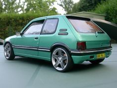 "205 Griffe replica on 206 Gti 180 / 307 CC 17"" rims with antracite spokes."