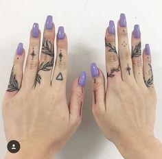 Leafy growth - leafy growth - fresh and creative finger tattoos . - Leafy Growth – Leafy Growth – Fresh and Creative Finger Tattoos – Photos – - Diy Tattoo, Poke Tattoo, Get A Tattoo, Couple Tattoos, Tattoos For Guys, Tattoos For Women, Tattoos For Fingers, Future Tattoos, Little Tattoos