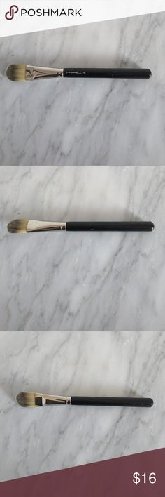 MAC 190 Foundation Brush Cupboard clear out! MAC 190 Foundation Brush. Great condition! MAC Cosmetics Other