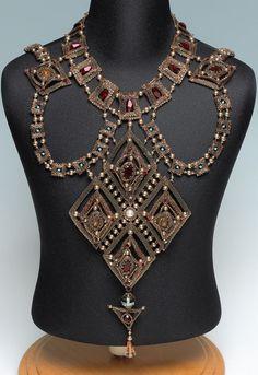 Necklace of the Byzantine : 2012 Bead Dreams   http://bnb.jewelrymakingmagazines.com/2012/Necklace-of-the-Byzantine
