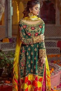 Beautifully elegant with a modern twist. This beautiful outfit comes with bottle green long shirt and colorful applique hemline, making an elegant, traditional and stylish mehndi dress. Excellence of craftsmanship is evident with intricate geometrical detailing that features the use of kora, dabka, crystals, sequins and glass beading. Furthermore it is enhanced with colorful floral […] The post Bottle Green Long Shirt – Pink Capri Pants appeared first on Latest Pakistani Fashion 2020 - For