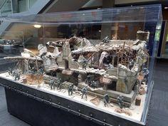 Halo model in a Microsoft lobby http://ift.tt/2dN1V8b