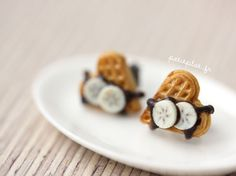 Waffle Studs/Post Earrings with Chocolate and Banana - €14.00 : PetitPlat, Miniature Food Art