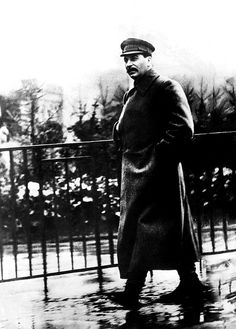 005 Biography of Joseph Stalin, Dictator of the Soviet Union