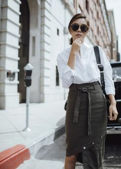 5c1683487cc1c2 Midi skirt outfit Street style fashion blogger influencer Jenny Tsang of  Tsangtastic wearing white button down