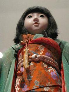 http://blog.asianart.org/blog/wp-content/uploads/2010/05/friendship-doll1.JPG