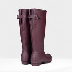 Must Have these Original Back Adjustable Wellington Boots CAD $170.00 (burgundy  - I want them in black)