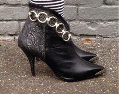 Vintage 80s Black Leather Ankle Boots / Stiletto Heels / Size 7.5