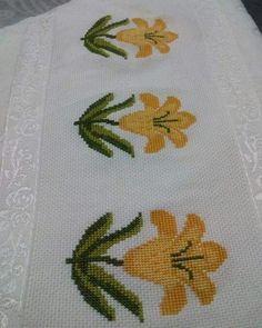 This Pin was discovered by Ipe Cross Stitch Bookmarks, Cross Stitch Cards, Cross Stitch Borders, Cross Stitch Flowers, Cross Stitch Designs, Cross Stitching, Cross Stitch Embroidery, Embroidery Patterns, Hand Embroidery